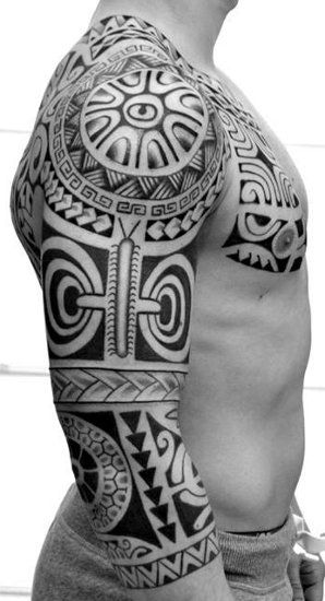 Tatouages Sur Le Bras De Modele Polynesien Marquisien Maori Pour L