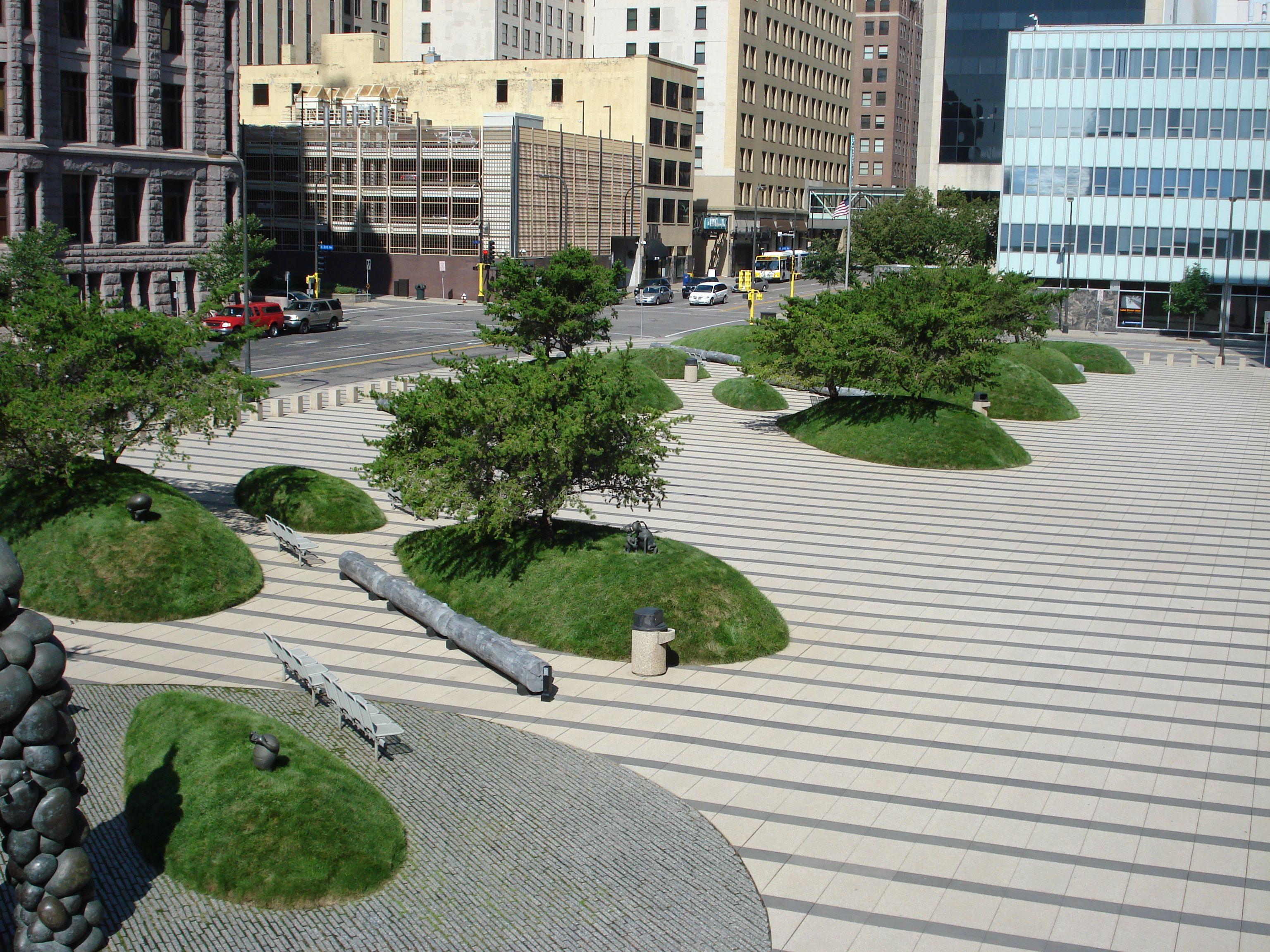 Minneapolis courthouse plaza minneapolis mn usa 1997 for Landscape design mn