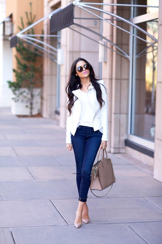 65fb00697b3 Latest Fashion Trends - This casual outfit is perfect for spring break or  the summer. The Best of casual outfits in 2017.