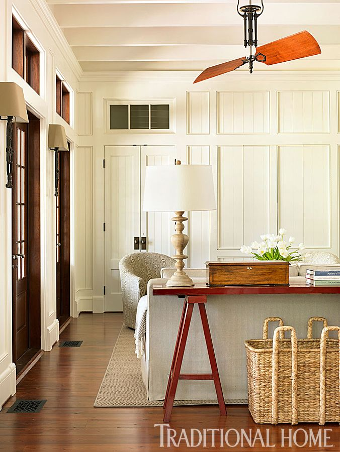 Breezy Lowcountry Home Traditional Paint Fl White Oc 29 Benjamin Moore Benjaminmoore