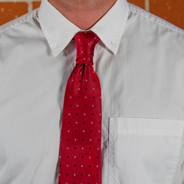 step by step instructions on how to tie a tie