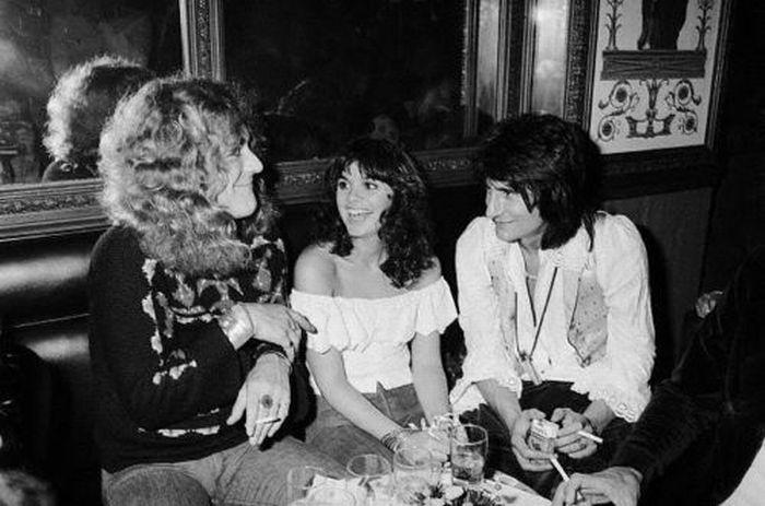 Robert Plant Linda Ronstadt Ron Wood Hanging Out In The Early 70s Linda Ronstadt Robert Plant Ron Woods