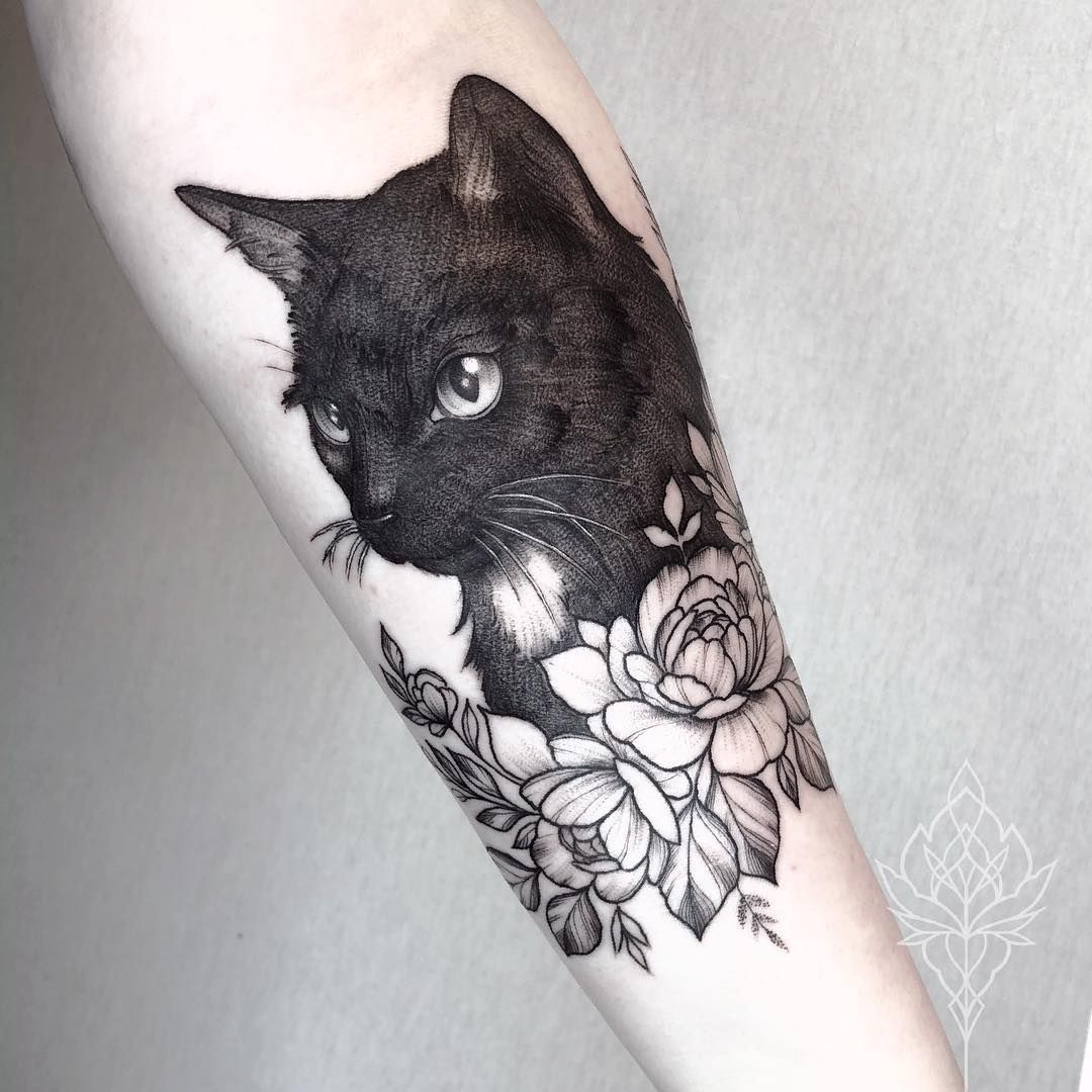 "M I R I A M   A N D R E A on Instagram: ""meow 🐱 • @miriamandrea_ink"""