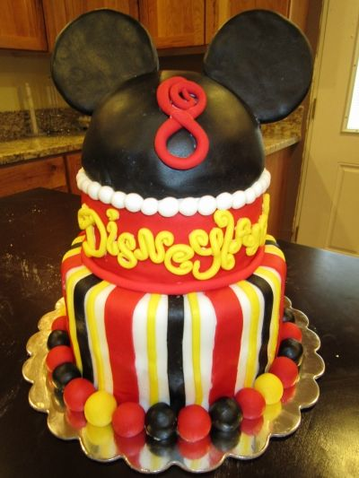 Birthday At Disneyland Mickey Mouse Cake