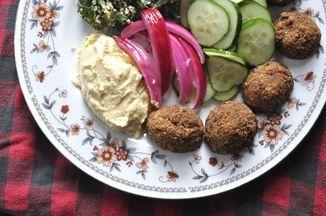 Falafel and hummus mezze platter recipe falafel hummus and food forumfinder Gallery