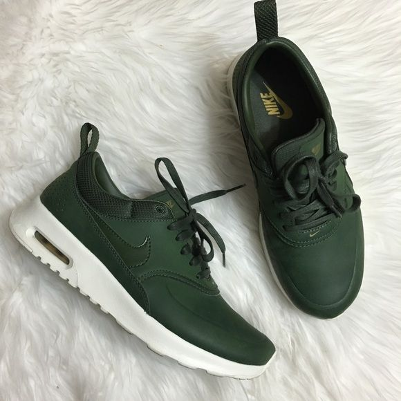 Women s Nike Air Max Thea Prm Carbon Green Worn twice! Minor creases as  seen in pictures (barley noticeable) Women s size 6.5 Comes with box but no  lid. 0b4dccb3f