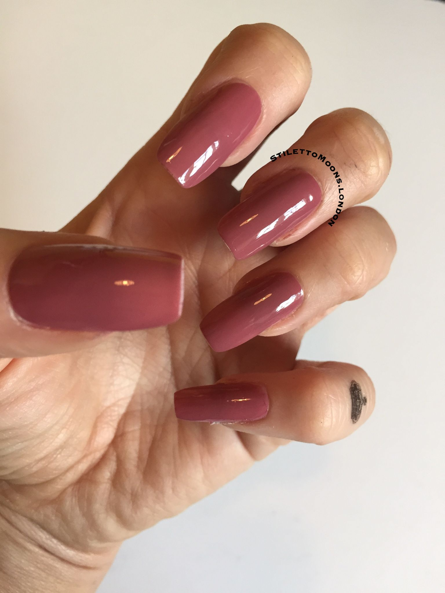 Long false square nails with a Marsala pink tone for winter. Don\'t ...