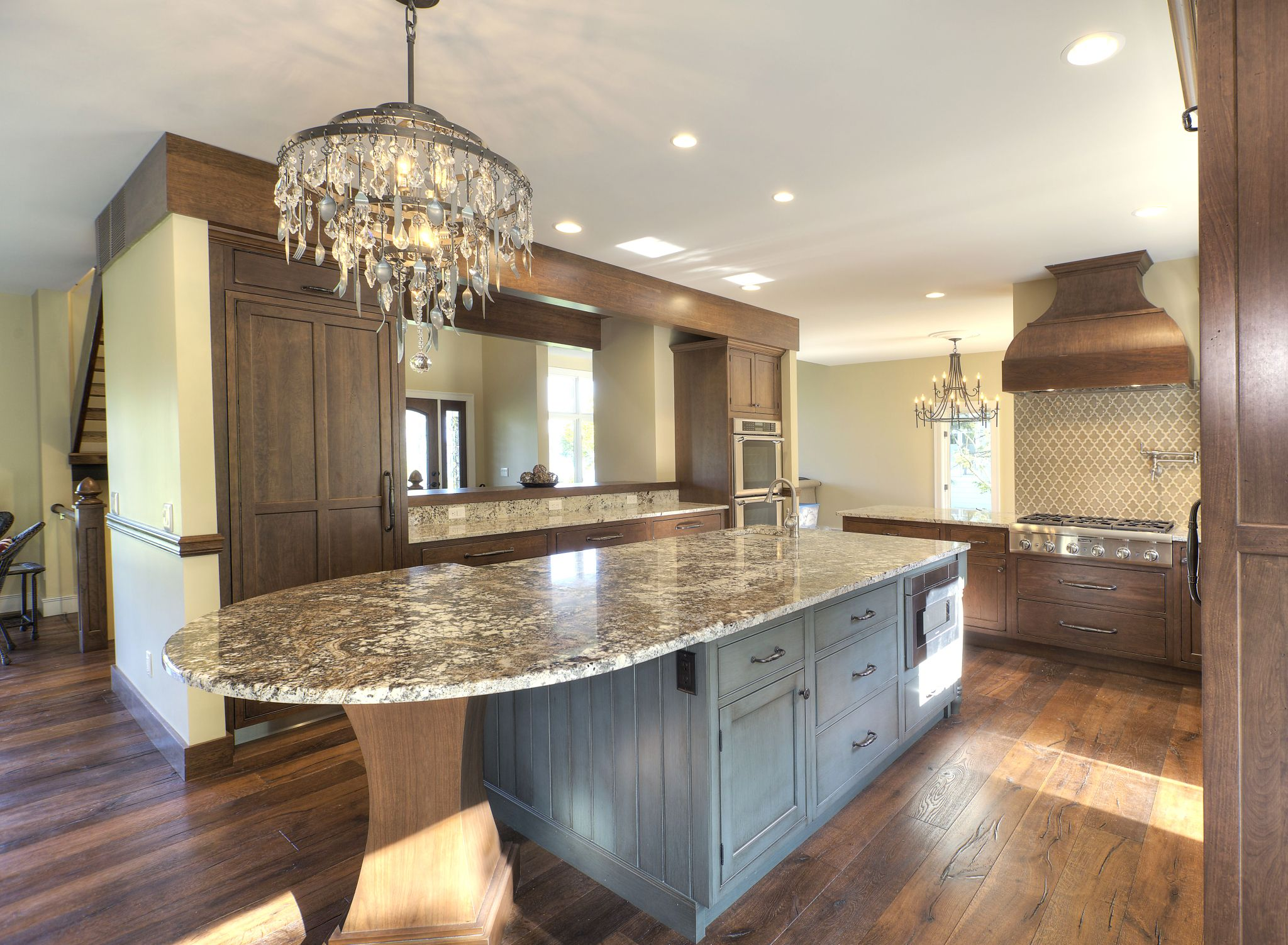 A Tasteful Kitchen Remodel In Traverse City Michigan Was Designed With Fieldstone Cabin Free Kitchen Cabinets Kitchen Cabinets Pictures Cheap Kitchen Cabinets