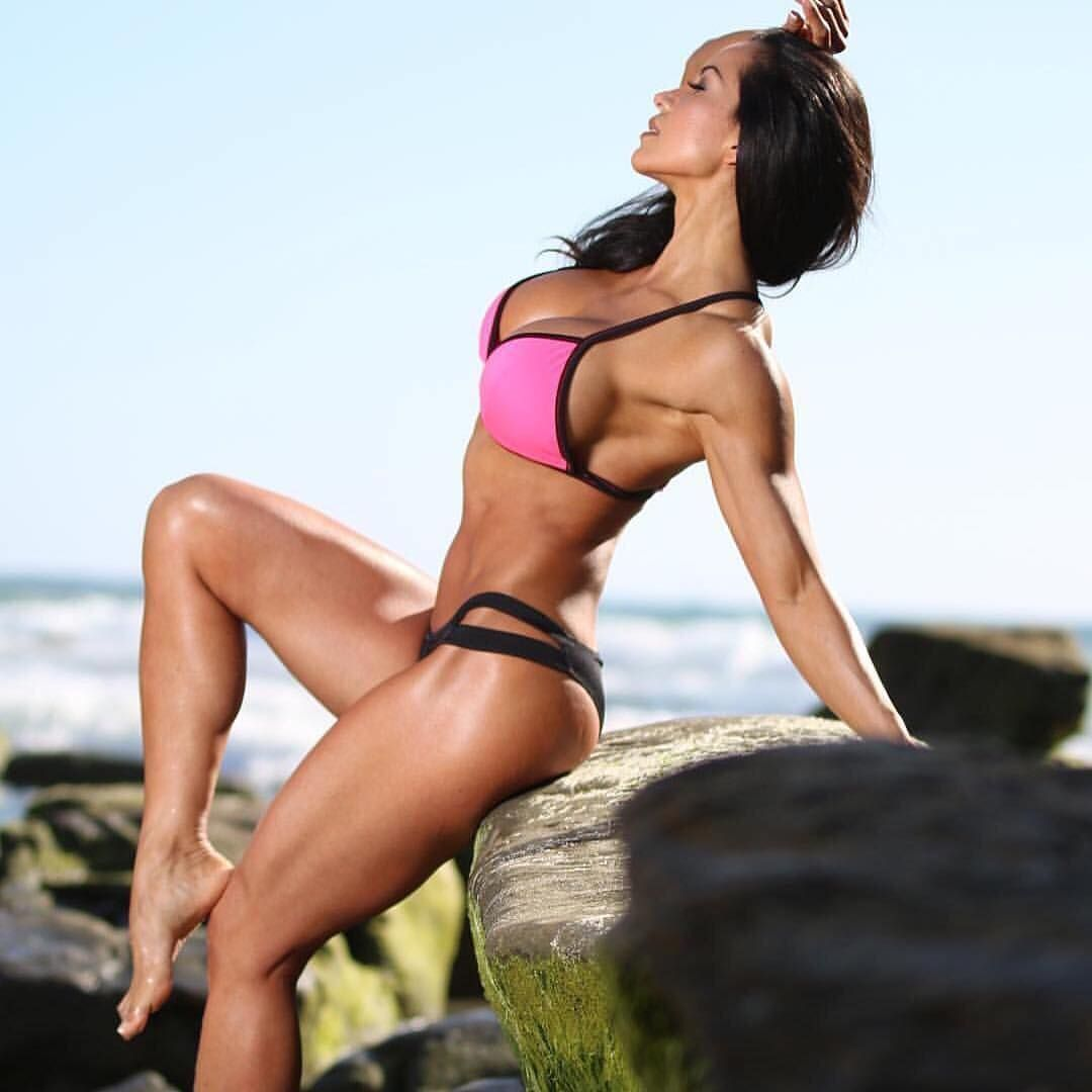 A website dedicated to the appreciation of the fit and sexy female form.  Feel free