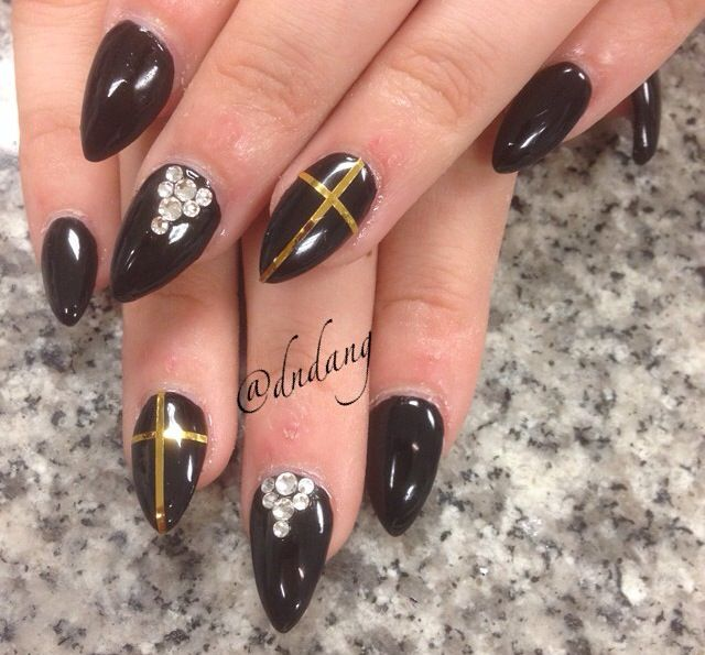 Cute Black And Gold Nail Design With Studs Nails Pinterest