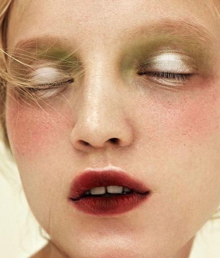 Pin by Megan Quinn on THE FACE Pinterest Futuristic makeup - küche weiß braun