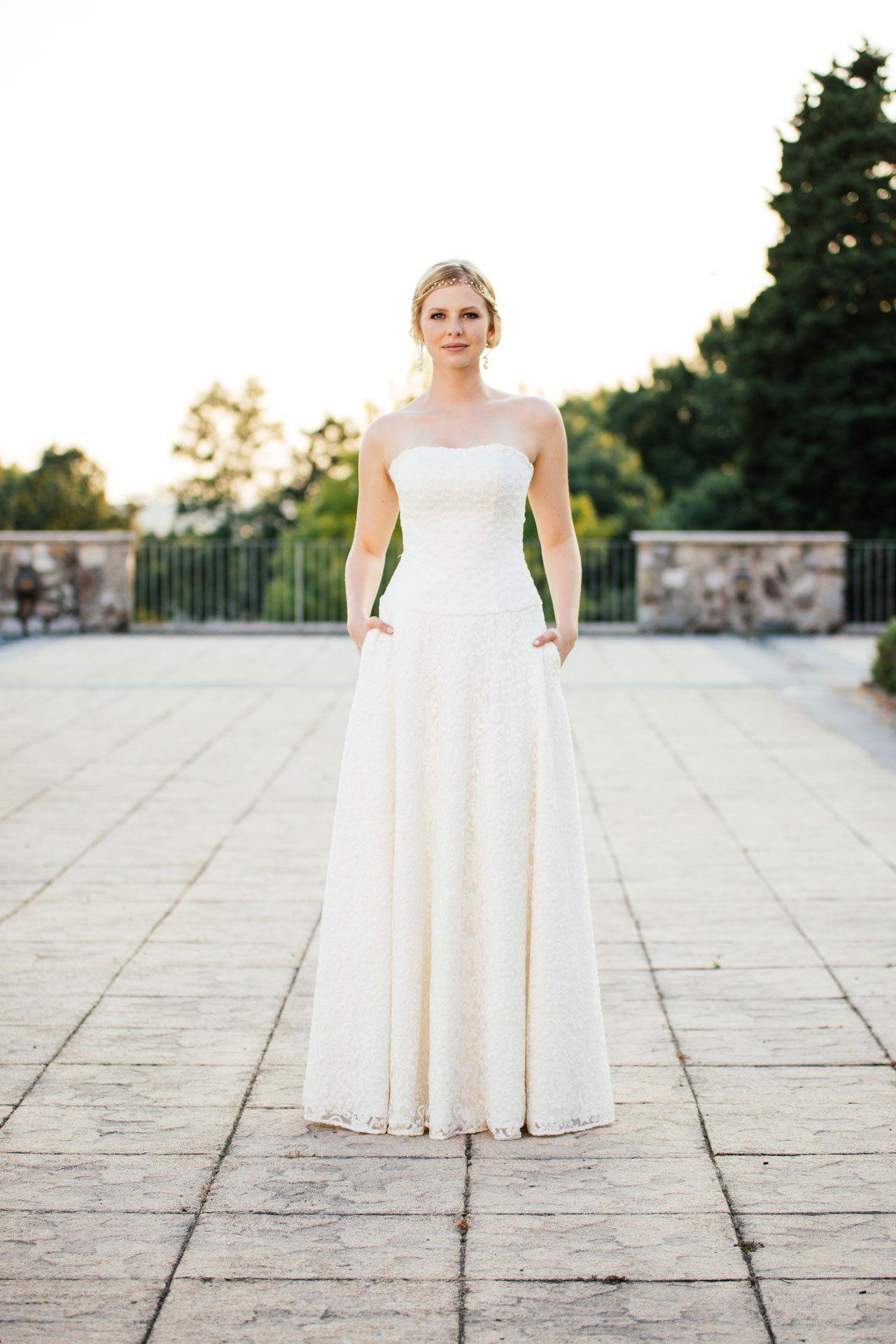 Brautkleid A-Linie mit tiefer Corsage und Taschen – unsere Tilda