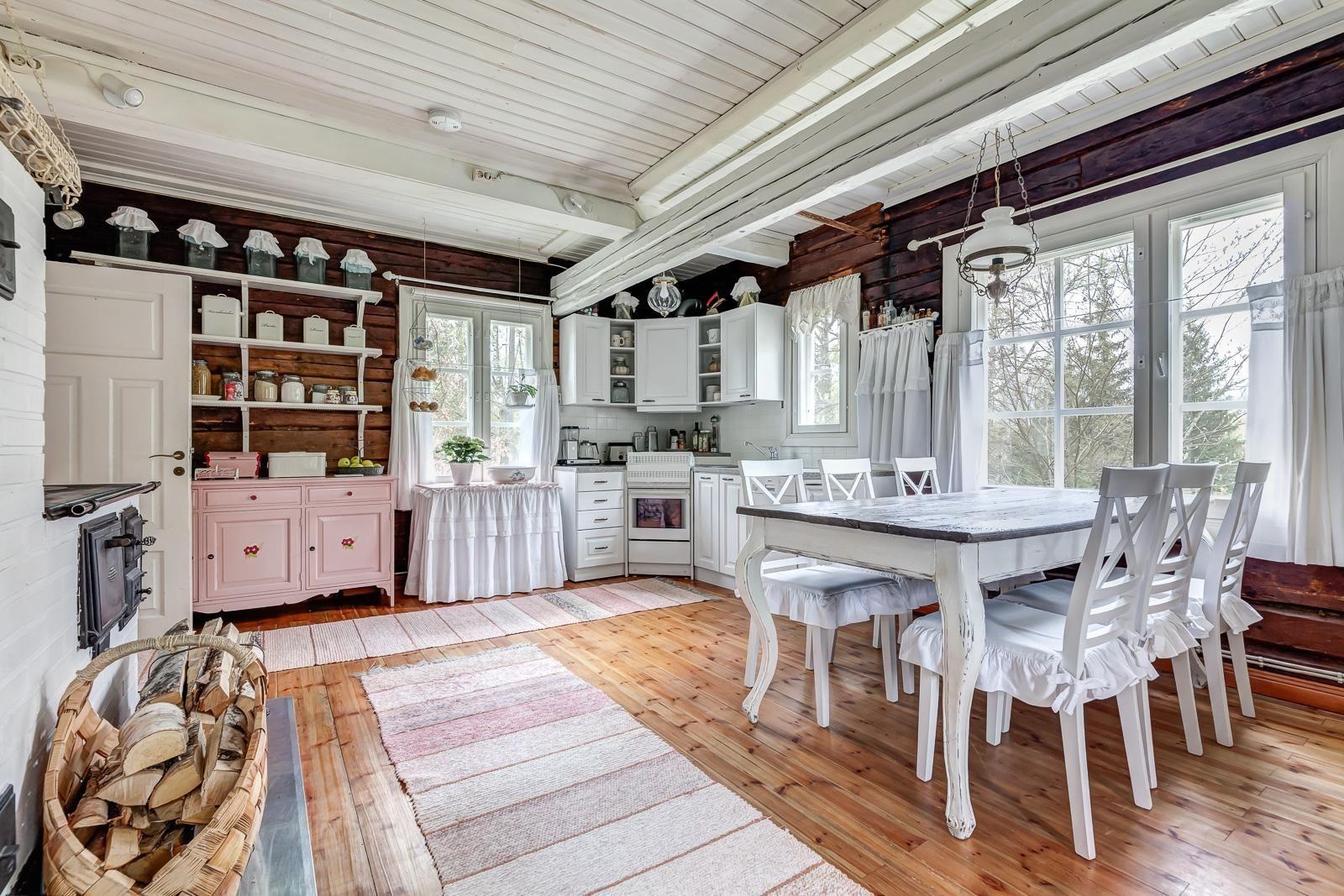 Sisustus  Keittiö  Maalaisromanttinen  Kitchen