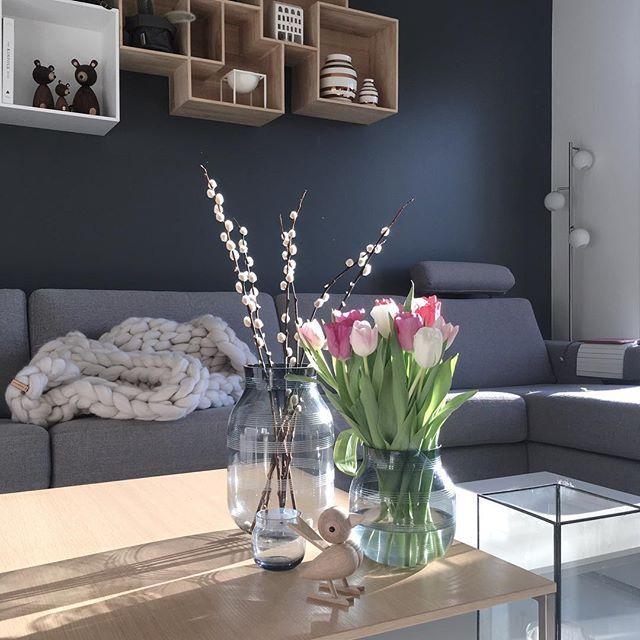 ☀️ ----------------------------- #chunkyhanna #luciekaas #kähler #tulips #tulipaner #interiør #interior123 #interior4all #interiorinspiration #stue #livingroom #myhome #mitthjem #micasa #boligmagasinet #boligdrøm #boligplussfarger#boligpluss #interiormagasinet #rom123 #kkliving #scandinaviandesign #danskdesign #homestyling #mestergrønn #boconcept