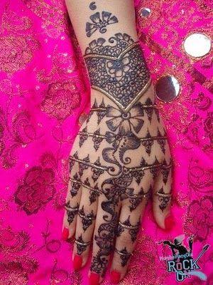 Pin By Shamyla On Henna حناء Mehndi Designs For Girls Mehndi Designs Henna Designs Easy