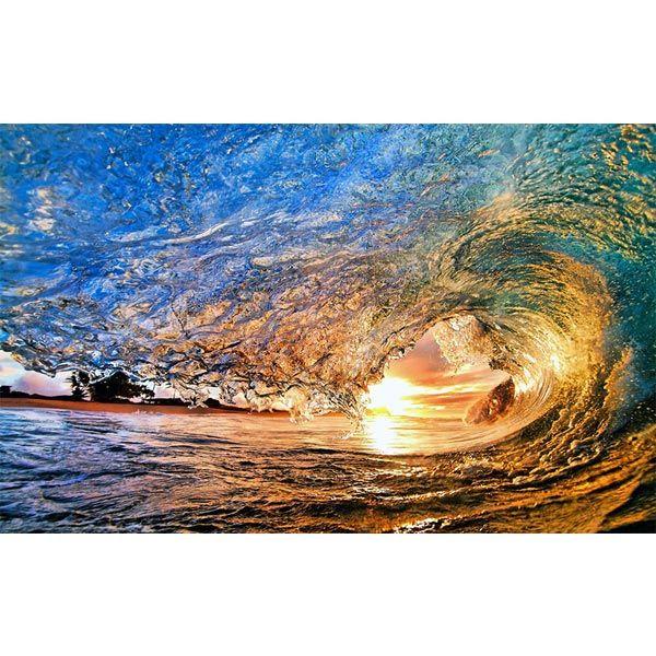 Суровата синя магия на океанските вълни