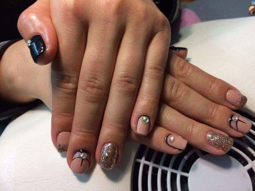 Nails, nail art, nail design, mirror nails, gold nails