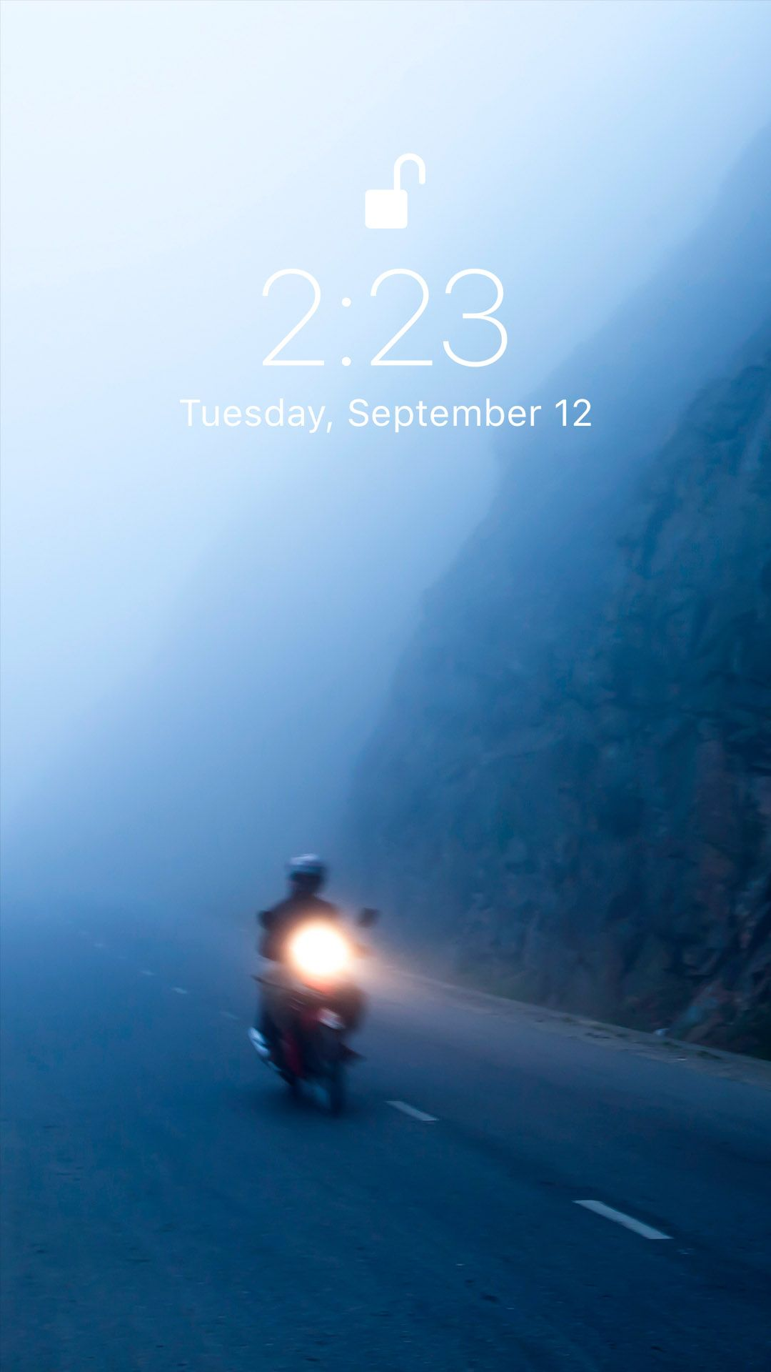 Beautiful fog screensaver for your iPhone X from Vibe app