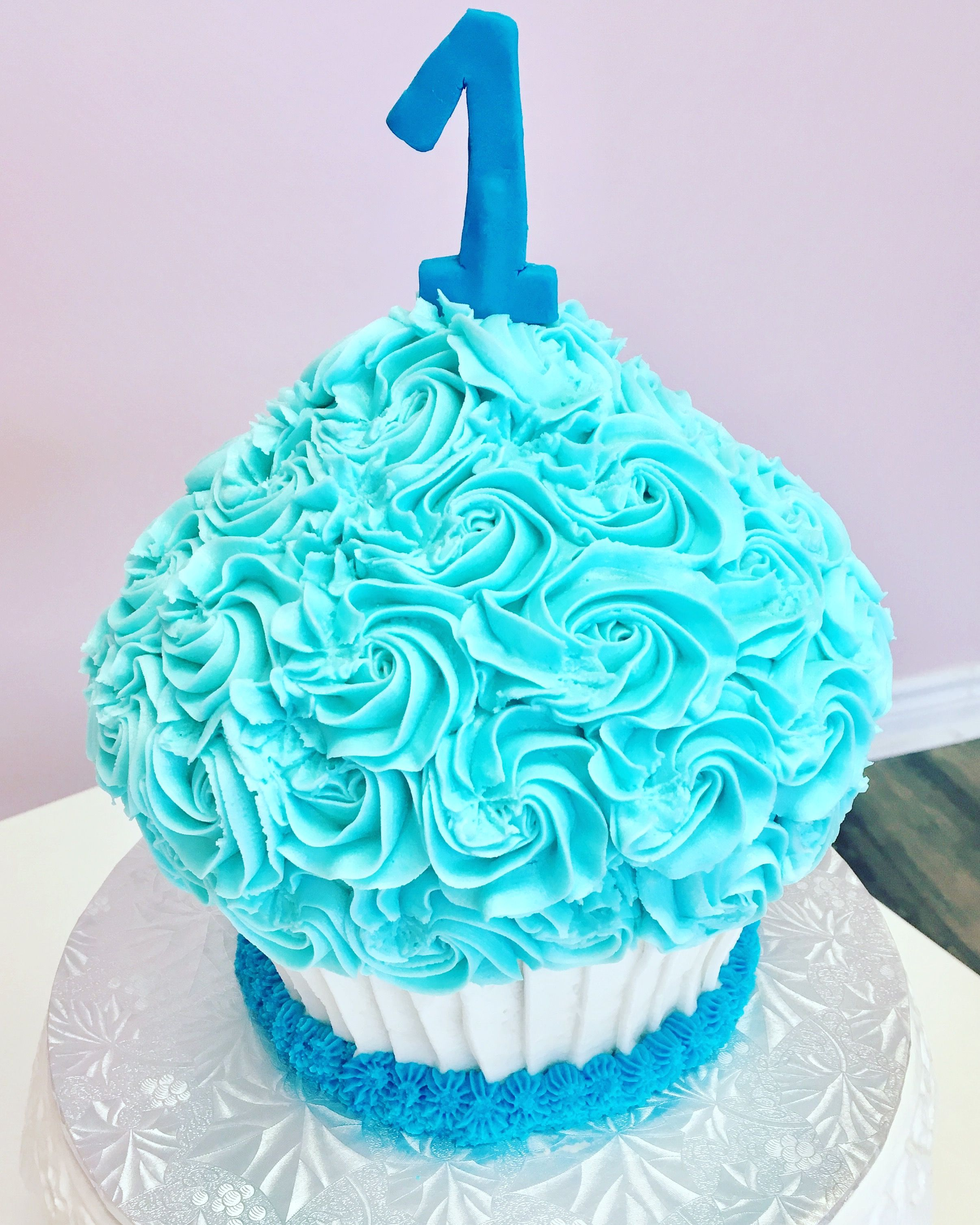 SmashCake #DvasCakes #Cambridge | Custom Cakes | Pinterest | Custom ...