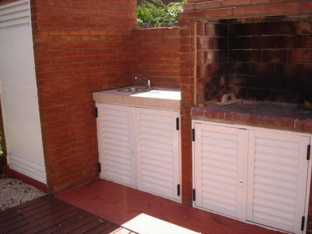 Terrazas mueble guarda termotanque buscar con google - Armario lavadora exterior ...