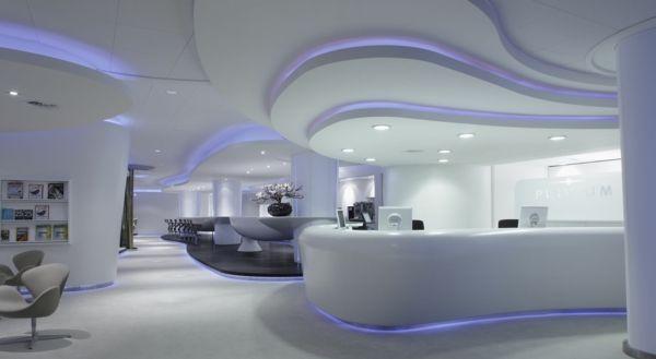 indirekte beleuchtung dramatischen look durch farbiges licht erreichen decke k che esszimmer. Black Bedroom Furniture Sets. Home Design Ideas