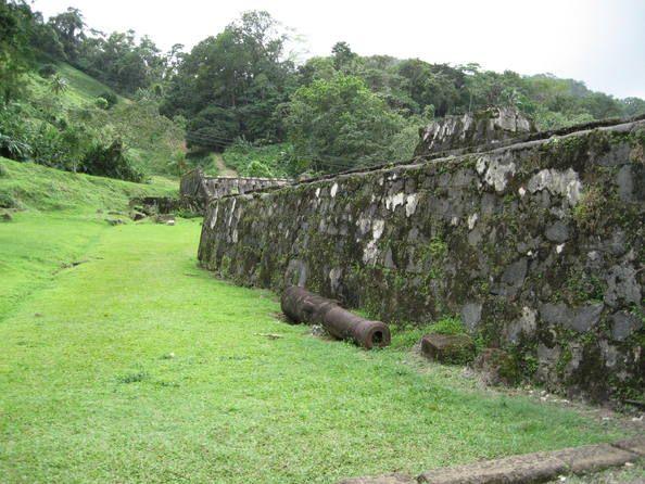 Fortificaciones de la costa caribeña de Panamá: Portobelo y San Lorenzo   Panamá.