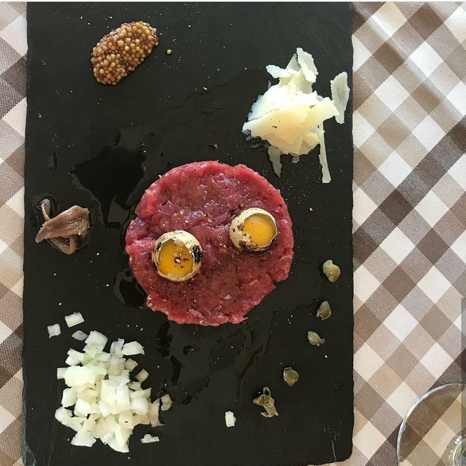 Lubimy Przelamywac Stereotypy I Pokazywac Bliskosc Kuchni Polskiej I Wloskiej Przed Wami Tatar S Italian Restaurant Italian Dishes Italia Restaurant