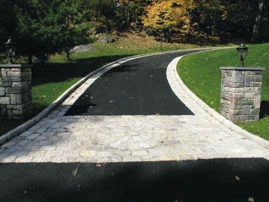 fotos de diseño de entrada de asfalto Pavers With Cobble Casas Jardines Caminos Jardin Y