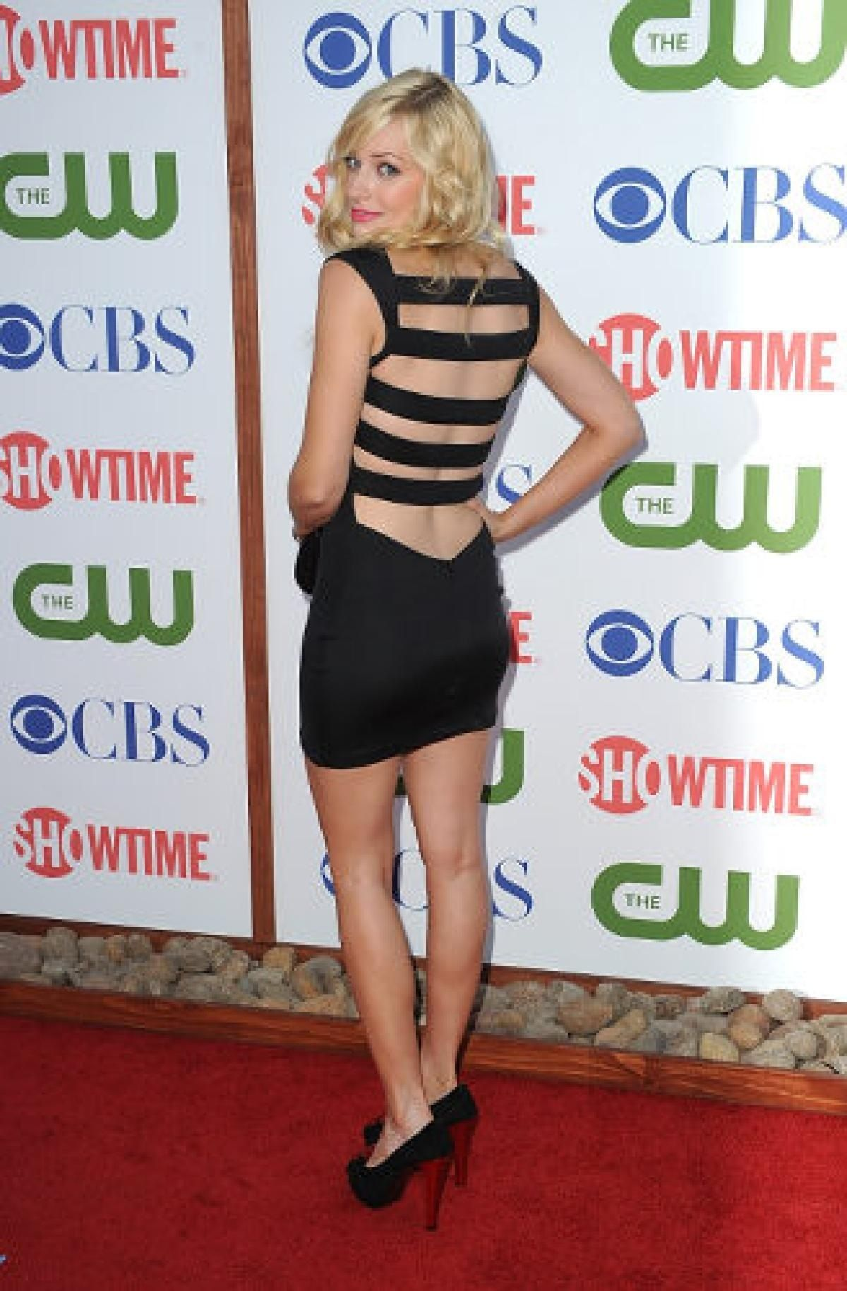 beth behrs put on weight