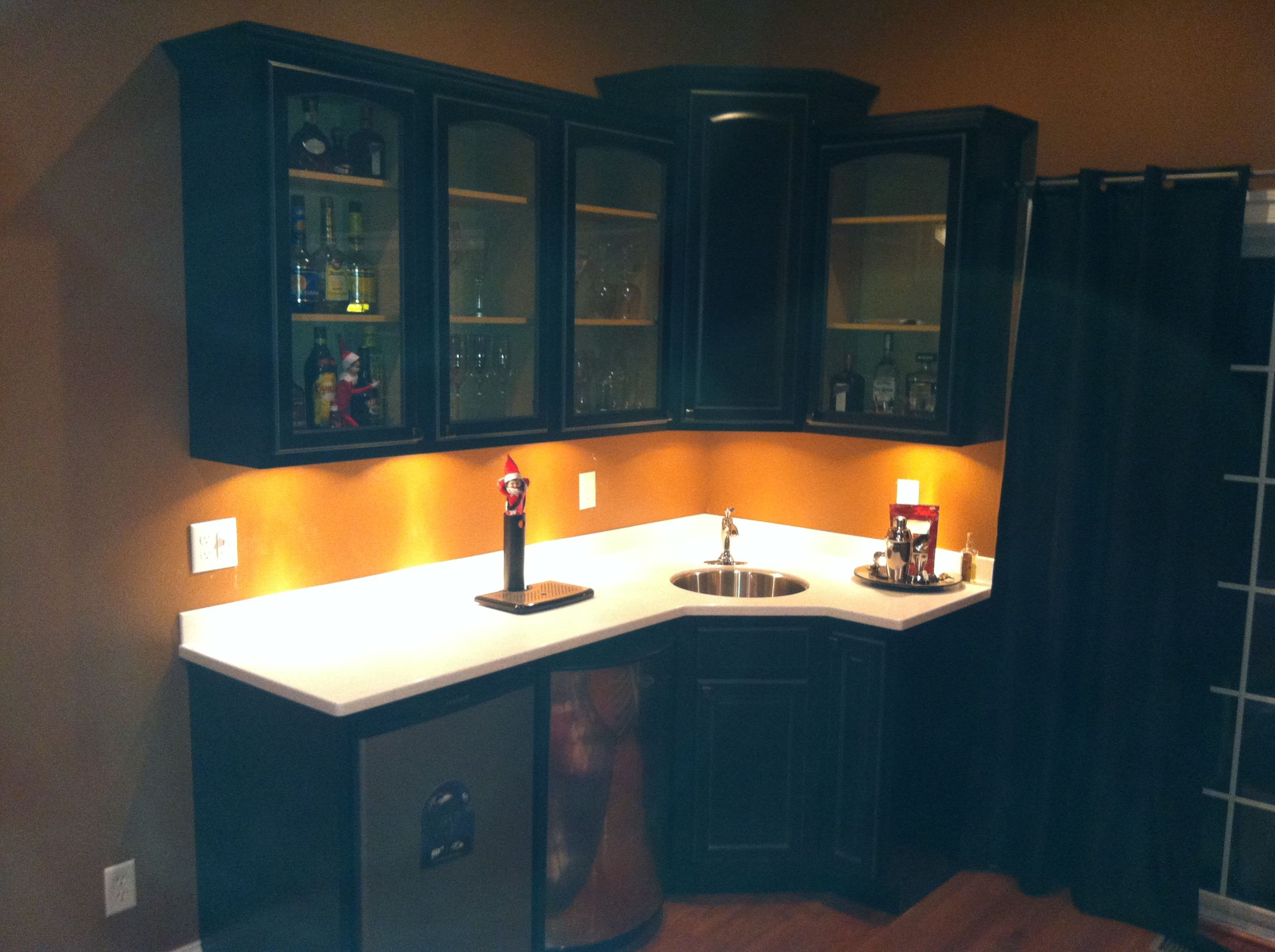 Armstrong Maple Cabinets With Staron Peak Solid Surface Countertop Maple Cabinets Countertops Cabinet