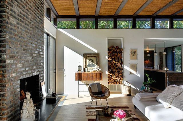Robins Way Residence, em Amagasett, Nova York. Projeto por Bates Masi Architects. #arquitetura #arte #art #artlover #design #architecturelover #instagood #instacool #instadesign #instadaily #projetocompartilhar #shareproject #davidguerra #arquiteturadavidguerra #arquiteturaedesign #instabestu #decor #architect #criative #interiores #estilos #combinações #robinswayresidence #amagasett #novayork #batesmasiarchitects