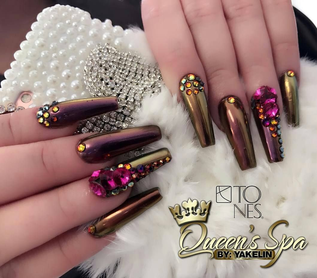 pelikh_Amazing Nail Art Made Using Tones Products | Uñas Navidad ...