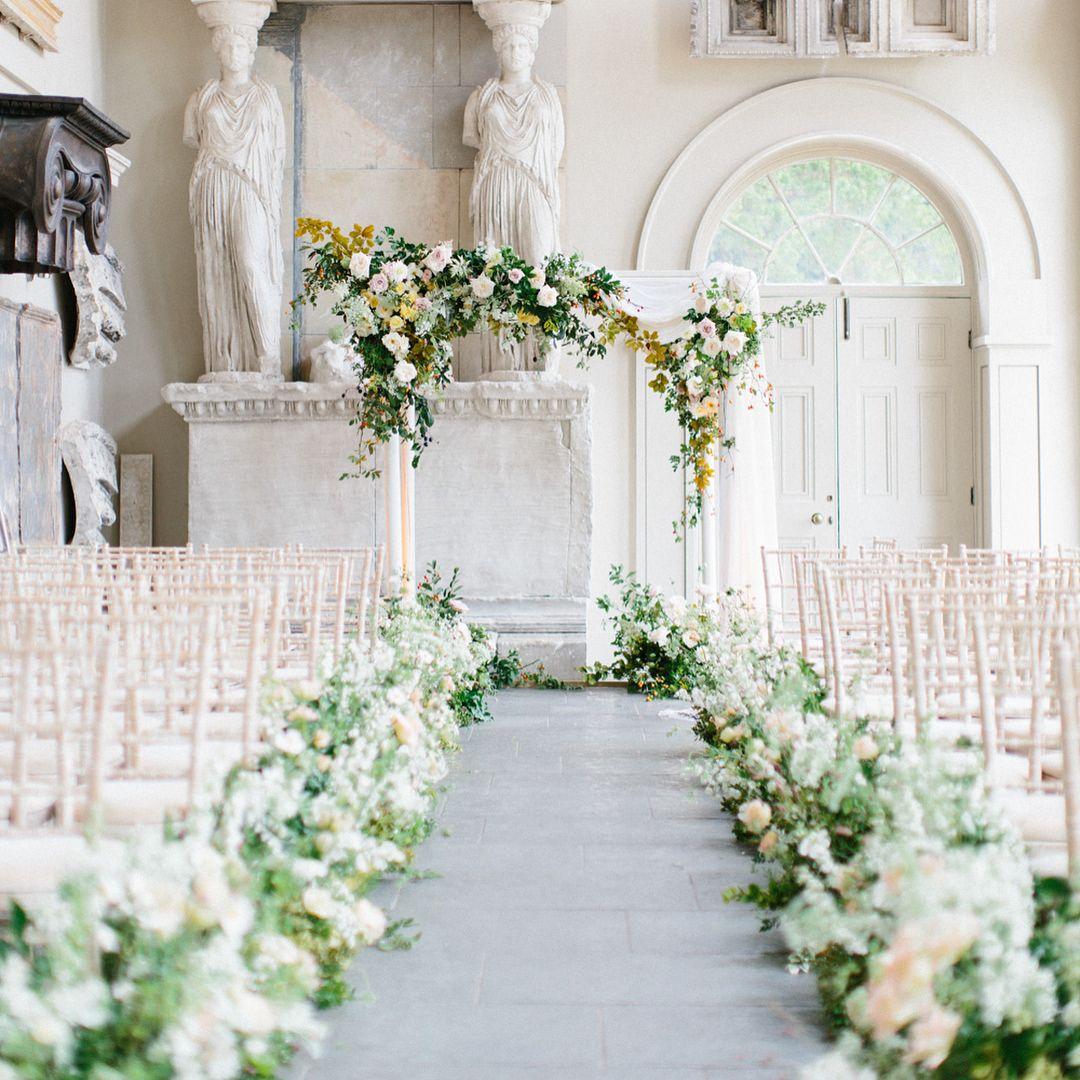 Stylish Wedding Ceremony Decor: Rock My Wedding (@rockmywedding