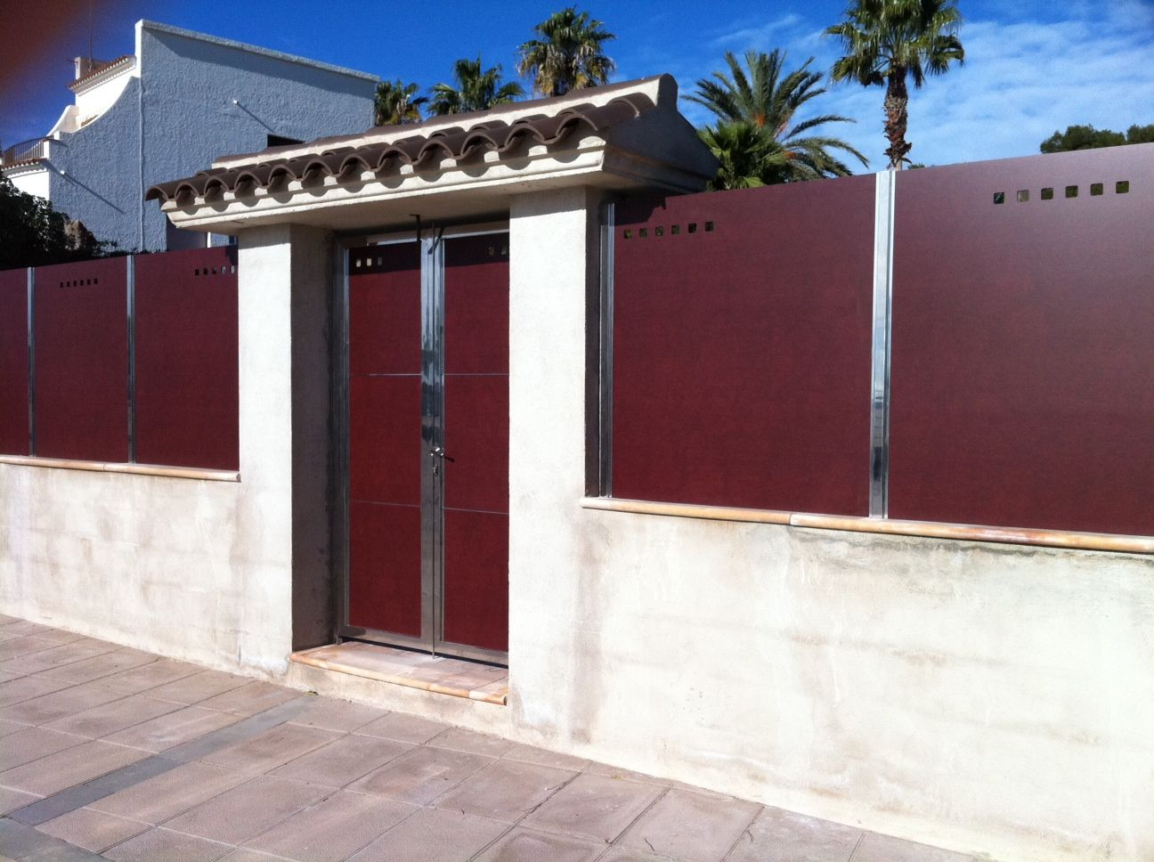 Valla Y Puerta Ocultaci N De Compacto Fenolico Y Acero Inoxidable  # Muebles Gema Mexicali
