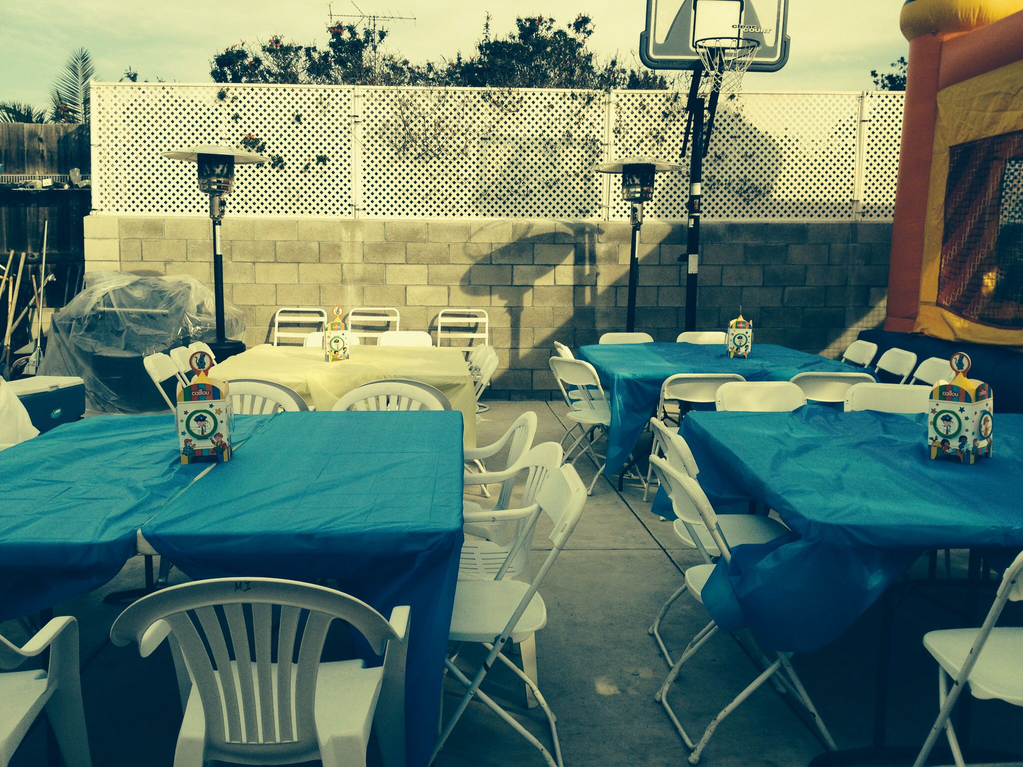 Caillou Tables Party Outdoor