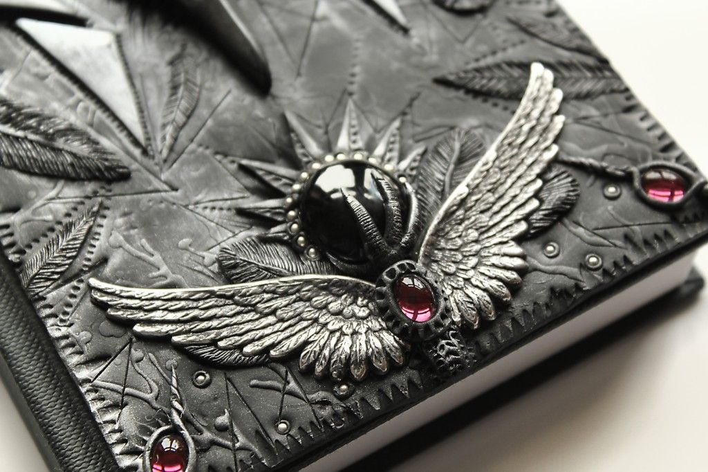 """Immortal Heart"" Polymer clay journal by Mandarin Duck.   http://www.mandarin-duck.com/p/blog-page_18.html"