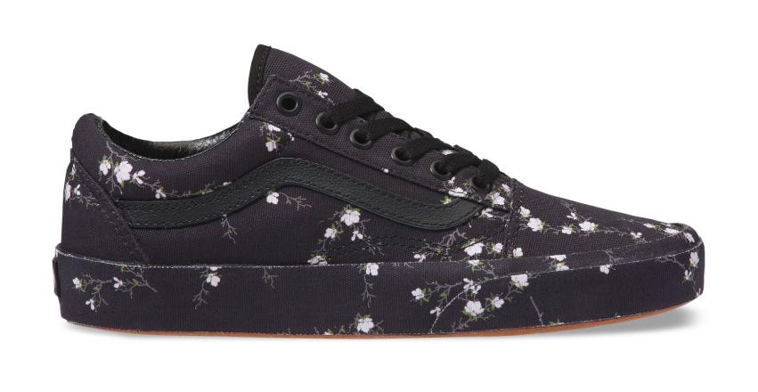 Vans Women Old Skool Sneakers, Midnight FloralBlack