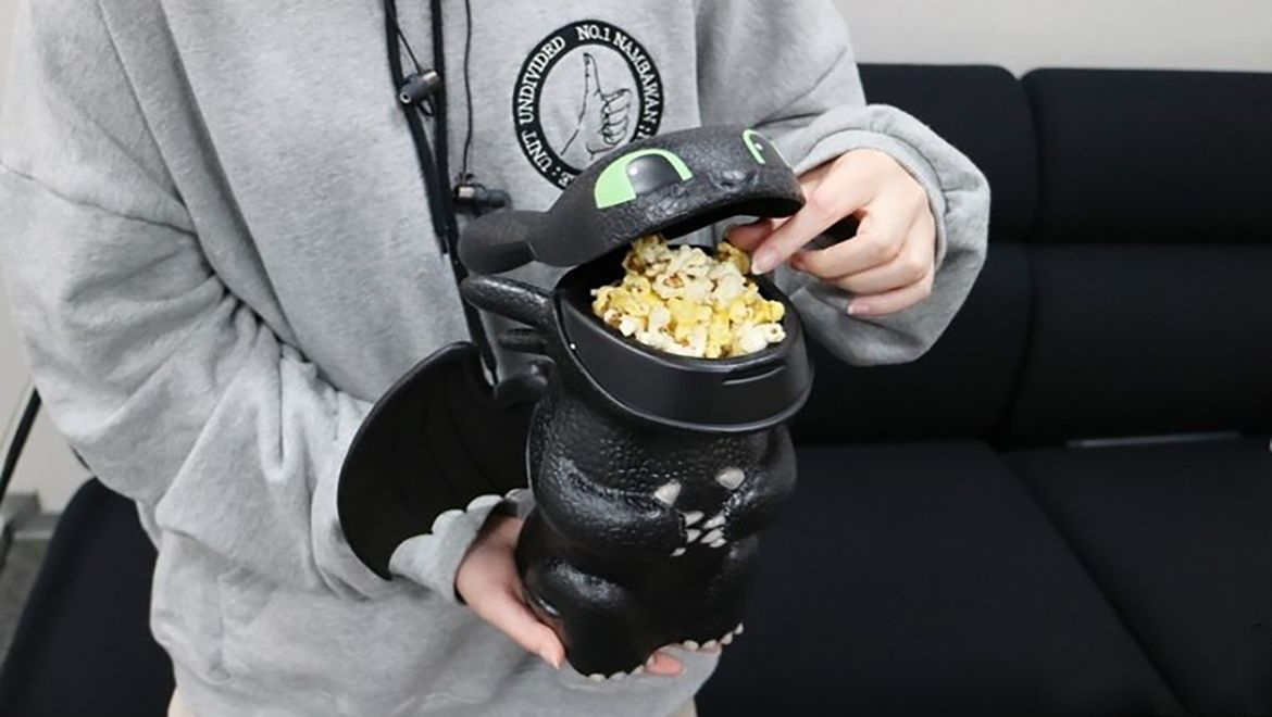 Here's How To Train Your Dragon, With Toothless Popcorn Buckets & Bottles! |... #geekculture