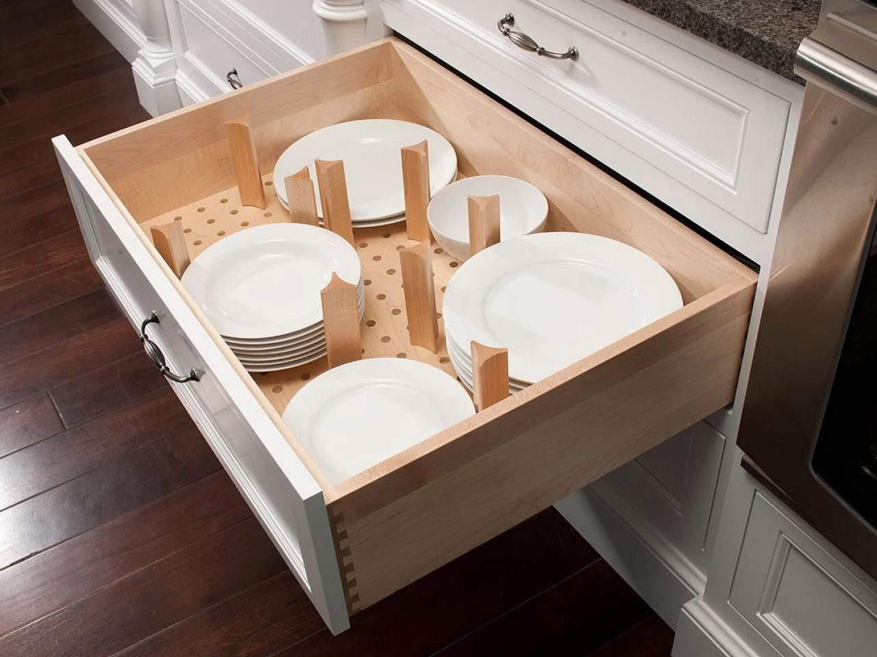 I am warming tot he idea of plates and blows on the drawer below. It & Kitchen Storage Ideas | Base cabinets Mullets and Clever