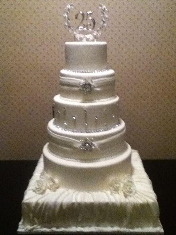 Cake Designs For 25th Anniversary : 25th Anniversary Cakes 25th Wedding Anniversary Cake ...