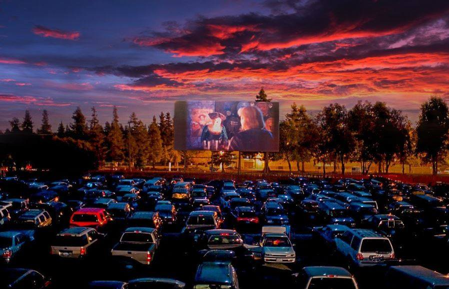 As Long As Your Cars Are Parked 10 Feet Apart The West Wind Drive In Theaters Have Reopened Drive In Theater Drive In Movie Drive In Movie Theater