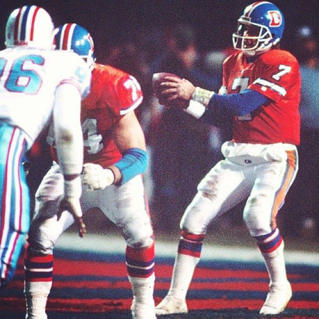 SnapWidget | #TBT John Elway begins the #Broncos' game-winning drive in their 26-24 win vs. Houston in the 1991 AFC Divisional Round playoff game.