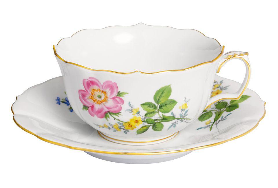 """Tea c & s, Shape """"Neuer Ausschnitt"""", Vintage Flowerpainting 2, Heckenrose, gold rim, V 0,20 l"""