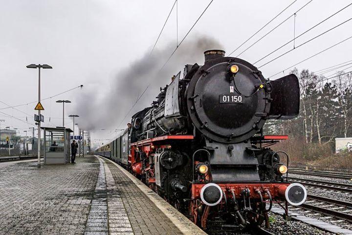 MichaelTörner http://ift.tt/21gGzoB beautifulstationrail stationZeissGermanyTrainBahnZugHerfordBahnhofSonyNostalgiezug