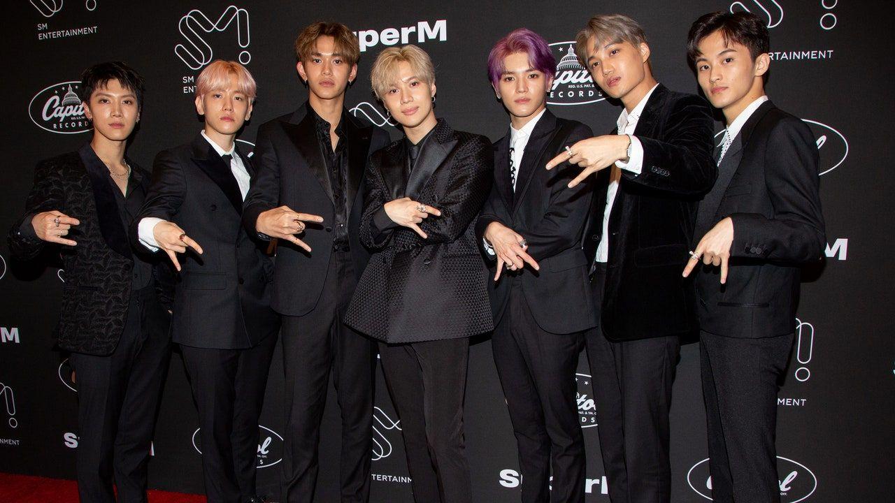 K Pop Super Team Superm Debuts With Futuristic Jopping Tunes Video In 2020 Debut Album Pop Group Korean Entertainment Companies