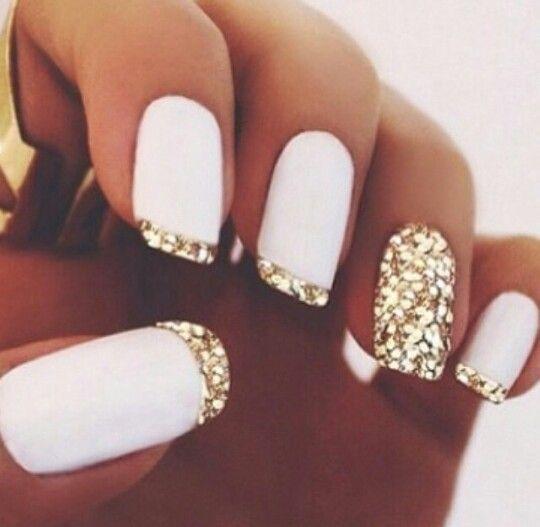 Blanco y dorado escarchado