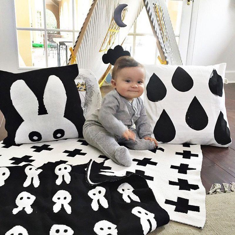 جديد أرنب عبر الفانيلا الطفل بطانية الوليد الصوف الأسود الأبيض الاطفال الفراش أريكة مانتاس المفرش مناشف Fleece Baby Blankets Blanket Black Black White Bedding