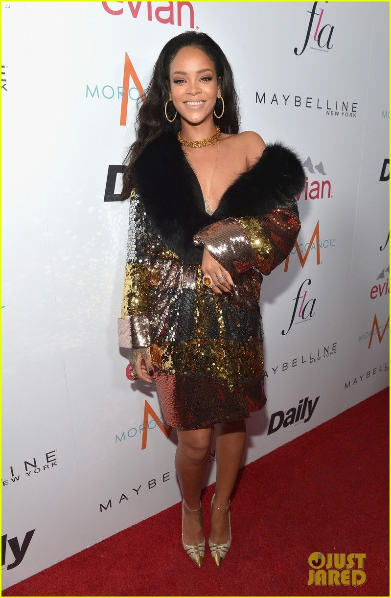 Rihanna shows a little shoulder while arriving on the carpet at the The Daily Front Row Fashion Los Angeles Awards Show on Thursday night (January 22) in West Hollywood, Calif.