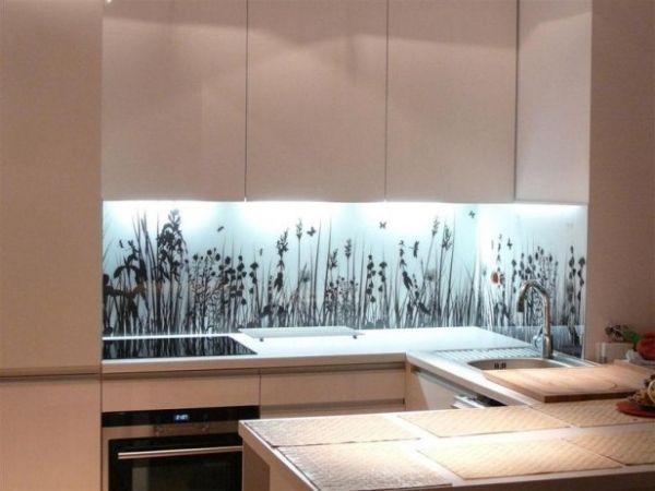 Kücherückwand motive unterschrankleuchten weiße schränke | Küche ...
