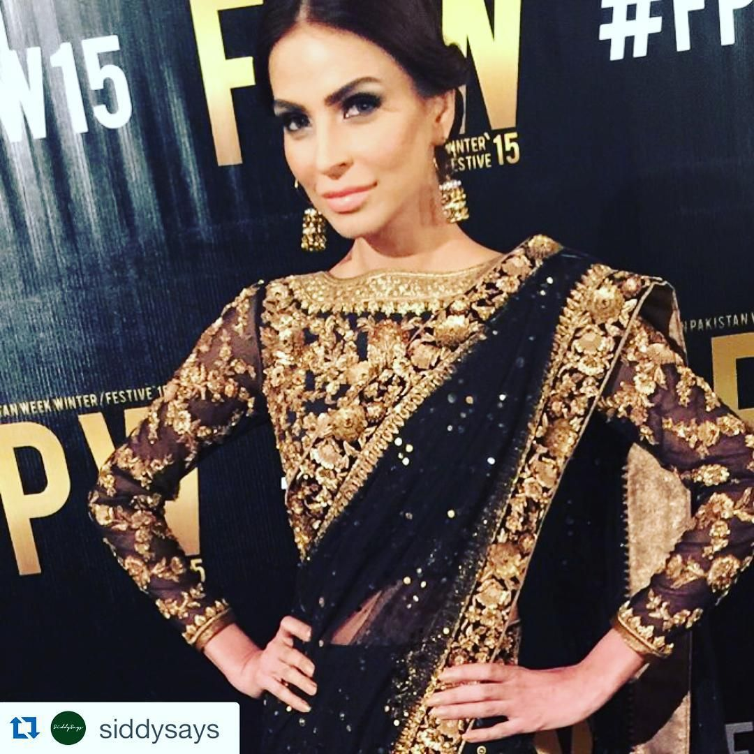 #Repost @siddysays with @repostapp. ・・・ @zaheerabbasofficial  @fouziaaman is pure glam in this black and gold number :))